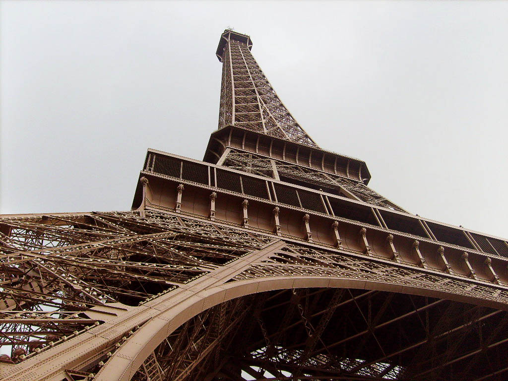 Ten Facts About The Eiffel Tower